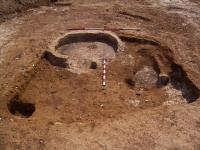 Star Lane. Grubenhaus with circular domed oven (left) and oblong oven/hearth (right)