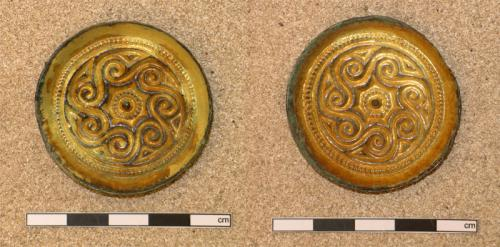 Pair of saucer brooches from G 1348