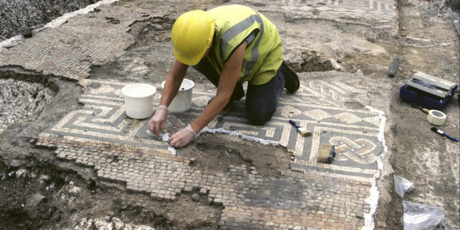 Excavating a Roman mosaic at Dorchester