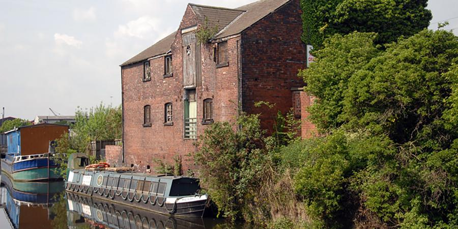 Grain Warehouse next to the canal in Rotherham