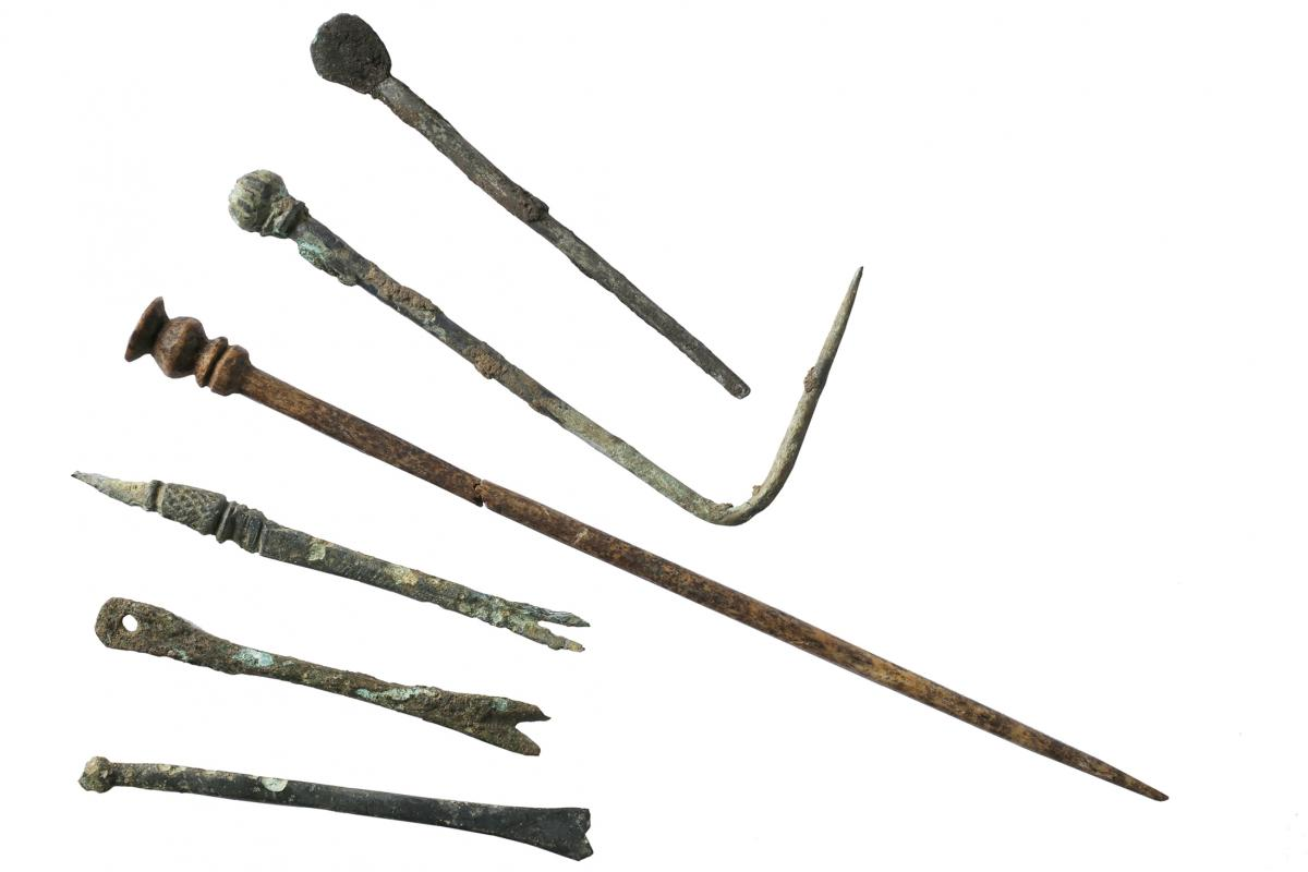 Roman pins from excavations at Beanacre, Wiltshire