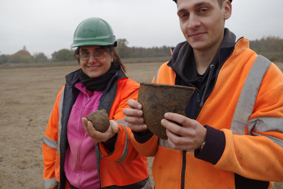 Neolithic pottery from the causewayed enclosure at Datchet
