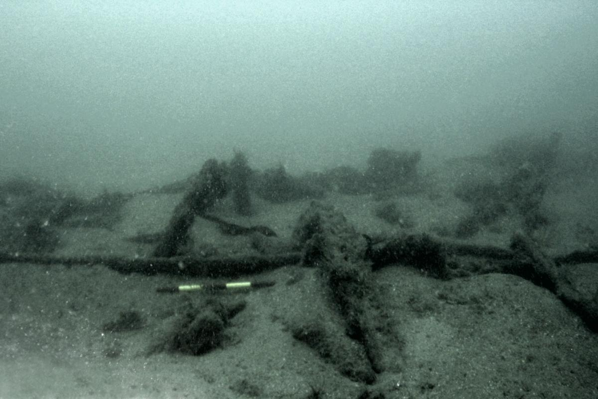 Wreck site Iona II ships frame on the seabed