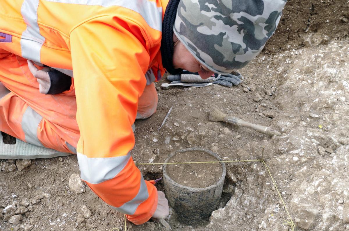Excavating a Bronze Age vessel