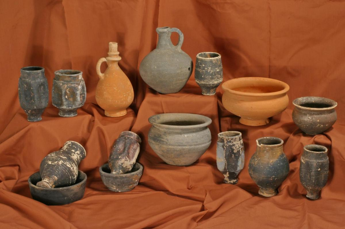 Selection of Roman pottery from Amesbury Down