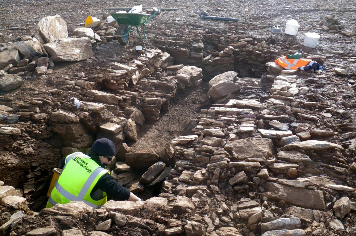 Excavating a Roman corn-drying oven at Sherford New Town