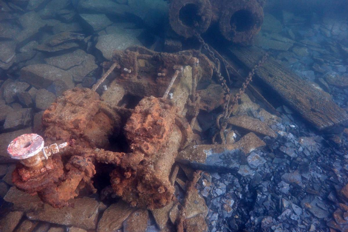Whinch Engine on the Belnahua Quarries underwater site.