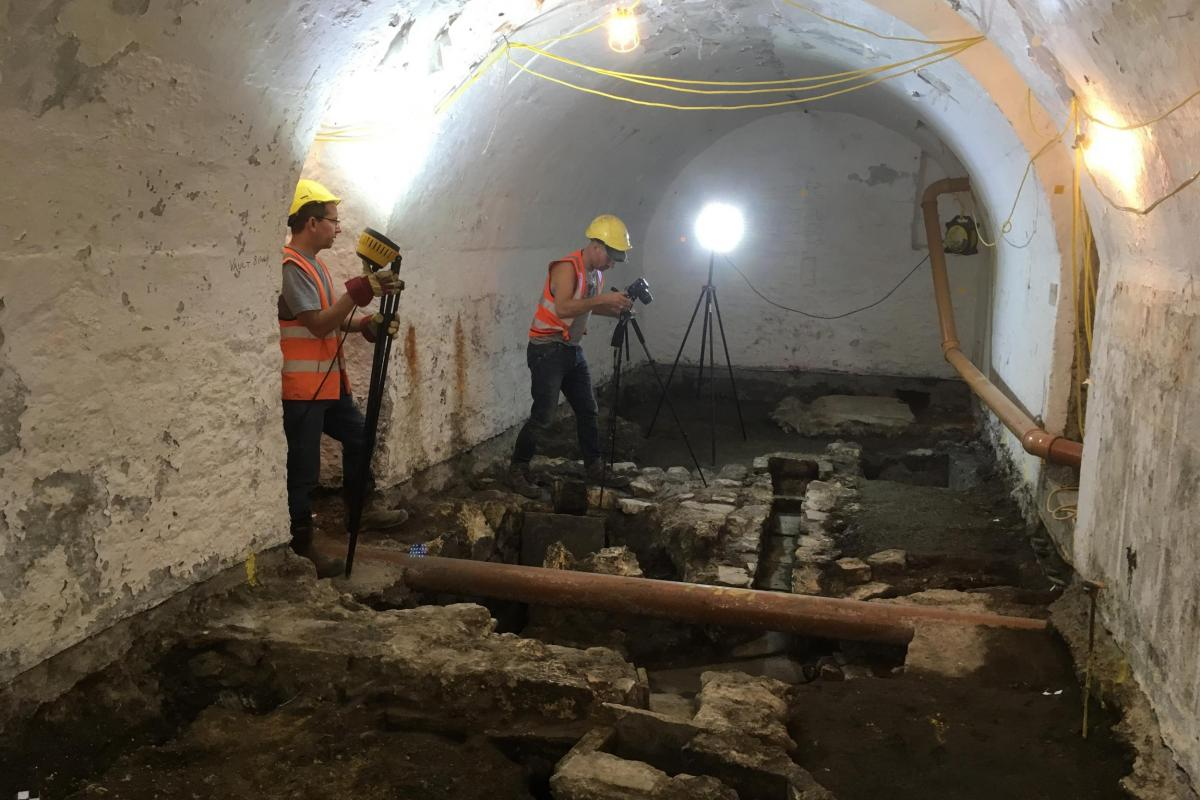 Archaeological excavation and recording work below Bath Abbey