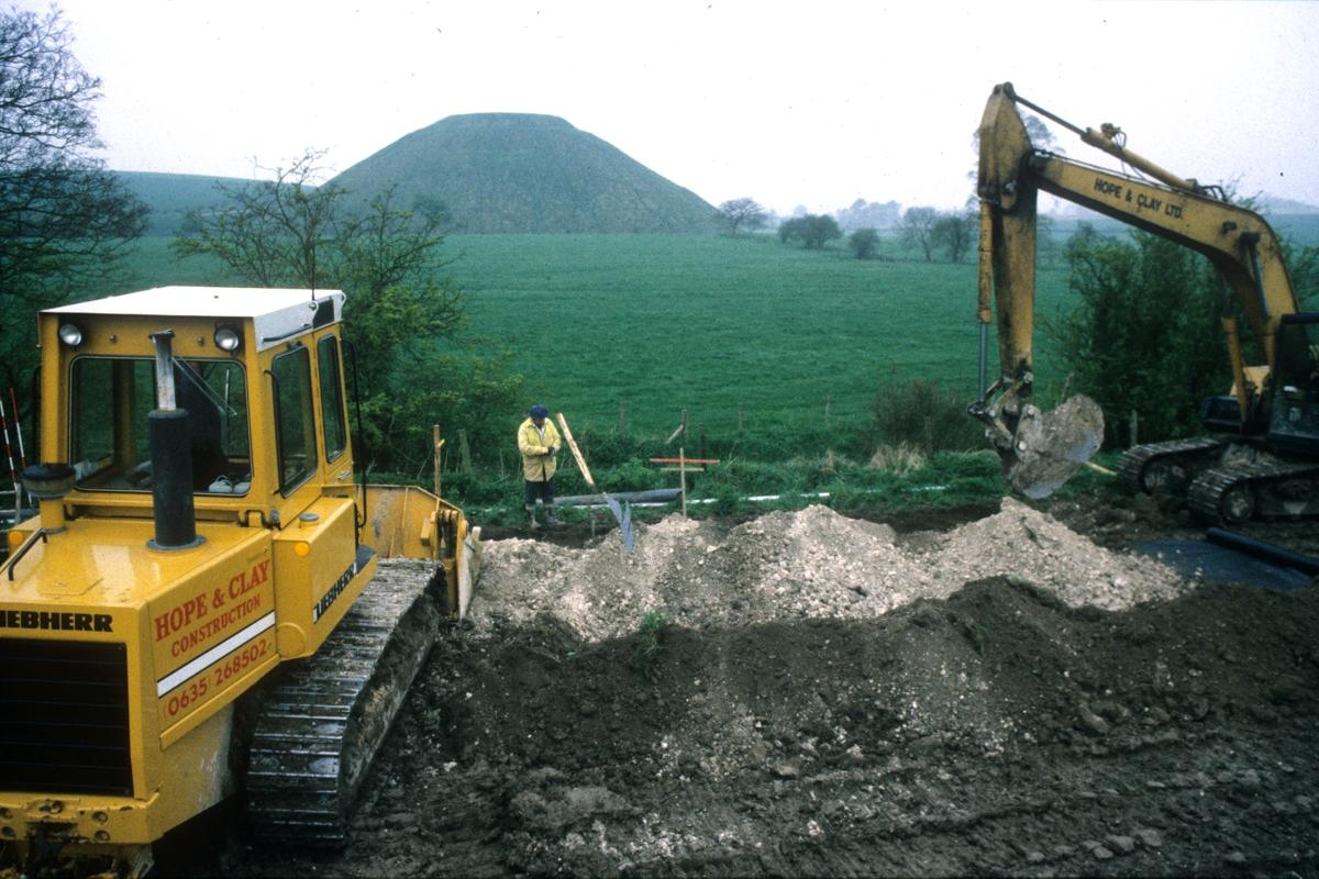 Monitoring a sewer pipeline replacement next to Silbury Hill