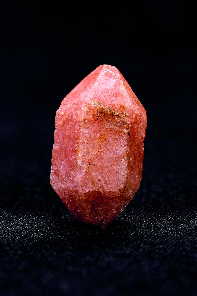 Rose quartz crystal from Yatton: A trackway to the past