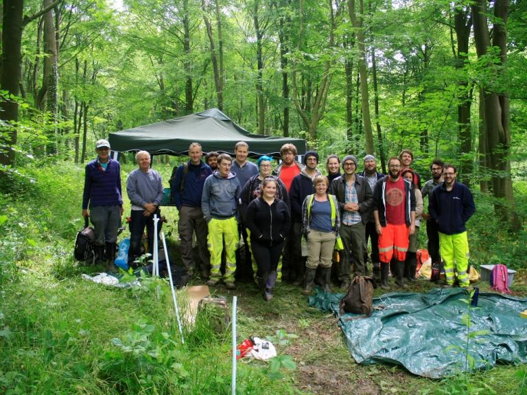 Archaeologists and volunteers at Harthill