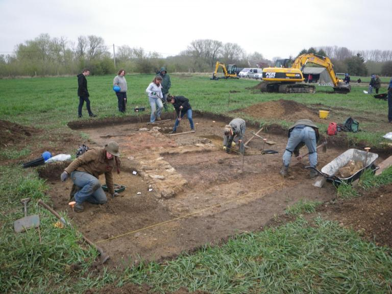 Excavating remains of Romano-British buildings