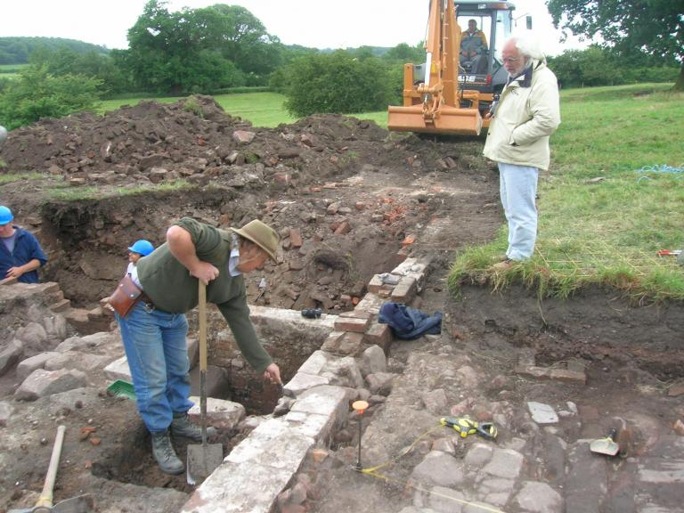 Phil Harding of Time Team excavating at Poulton Hall, Cheshire