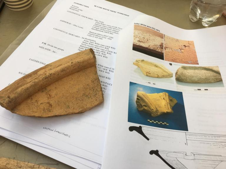 Roman pottery and written material to help you familiarise yourself with how it looks