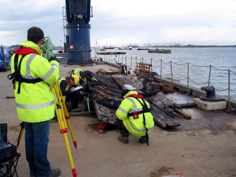 Recording the Wreck in the Thames Princes Channel